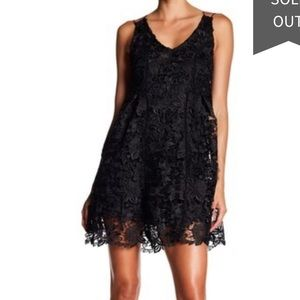 Romeo +Juliet Couture cris cross lace size XL